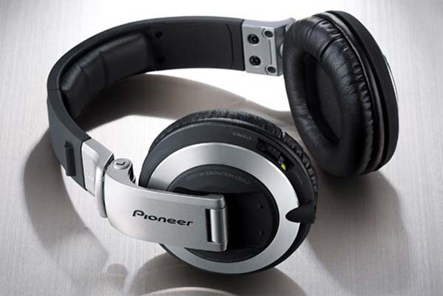 Dubspot DJ Headphones Roundup 2014: Sennheiser, Allen and Heath, Pioneer, Sony +! | Dubspot